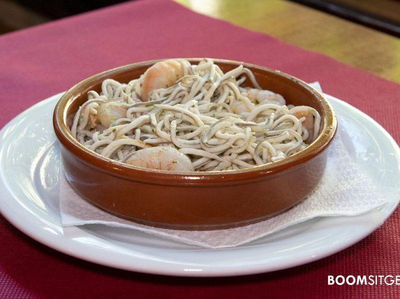 Gulas con gambas al ajillo | Restaurante Cañateca Sitges