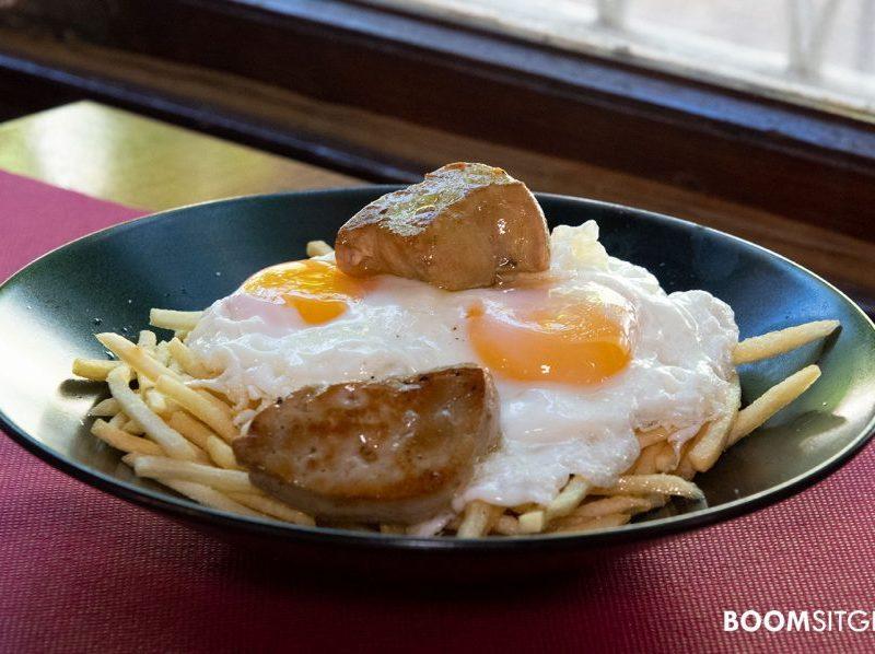 Huevos fritos con patatas y foie | Restaurante Cañateca Sitges