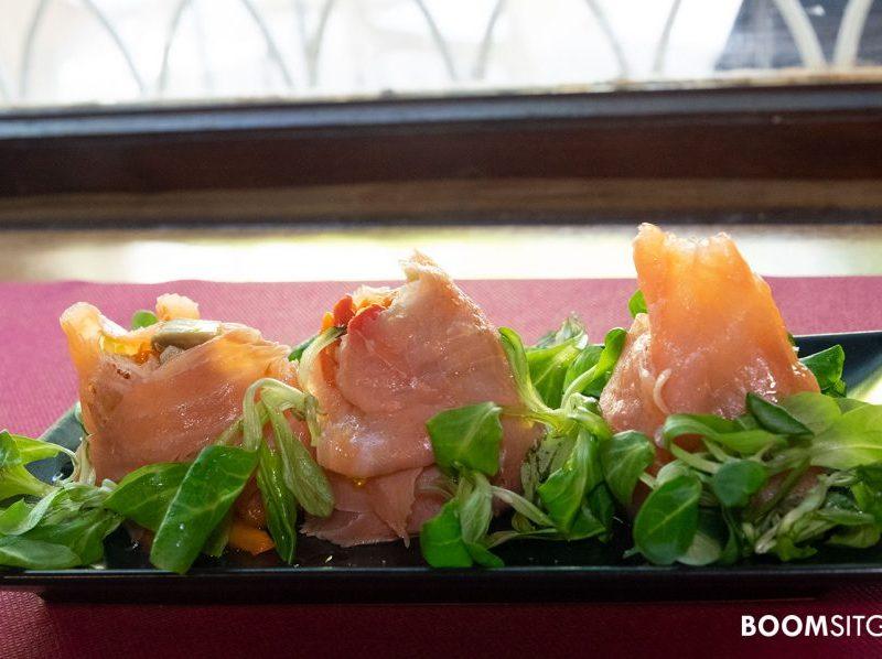 Rollitos de salmón con escalivada